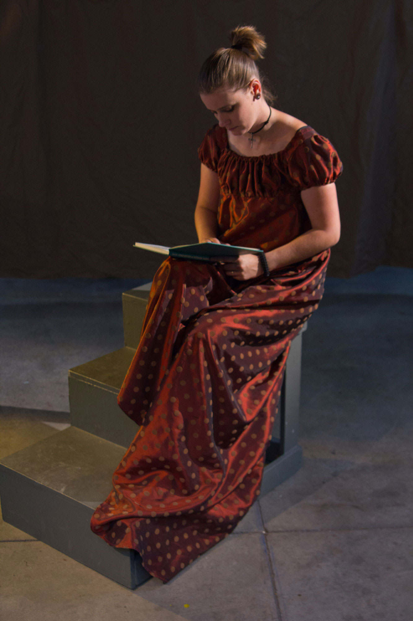 girl-reading-reference